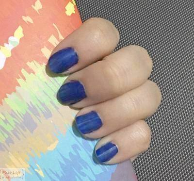 Miss Left Nail Cafe 03
