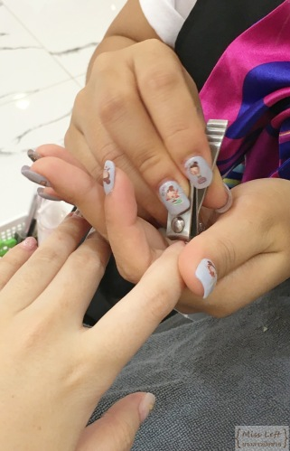 Nail Wonderland Miss Left นางสาวมือซ้าย